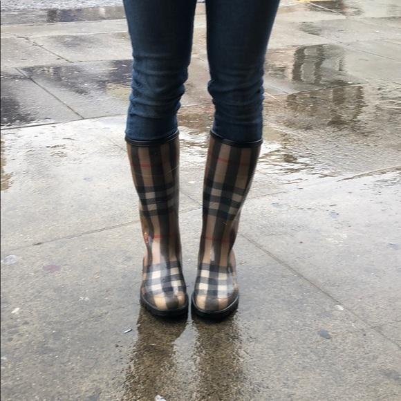 buy \u003e burberry women's boots \u003e Up to 78